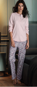 Calida Pyjama mit Knofleiste Karelia
